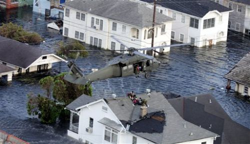 hurricane_katrina__helicopter_rescue